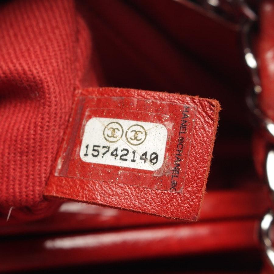 Schultertasche von Chanel in Rot
