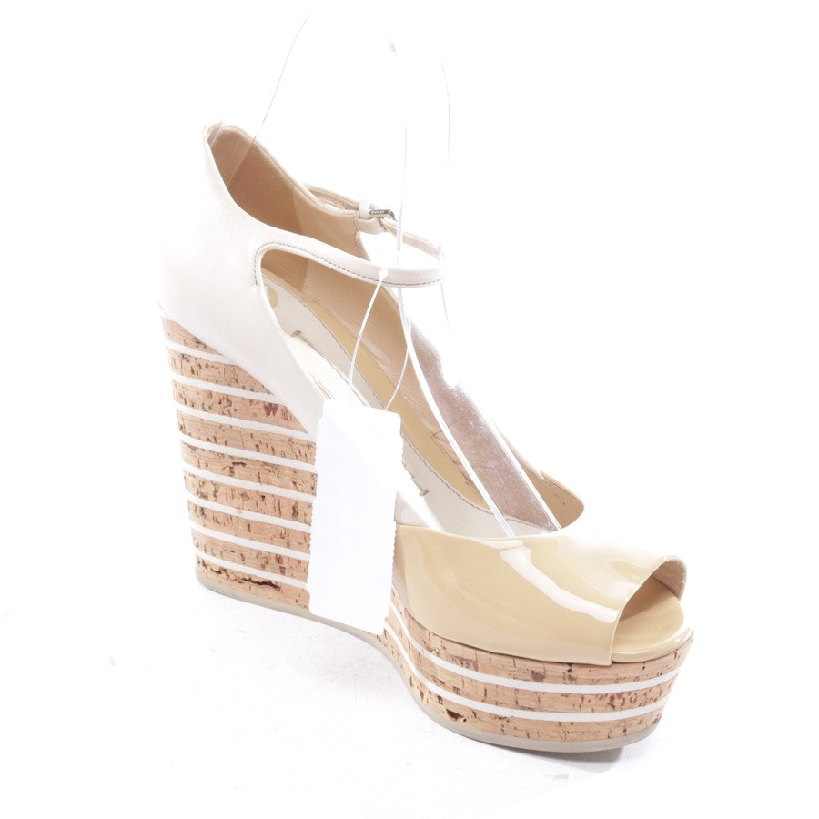 pumps from Gucci in beige size D 37