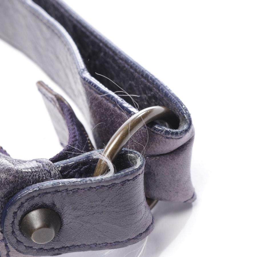 Schultertasche von Balenciaga in Aubergine und Grau - Extra Courier Bag