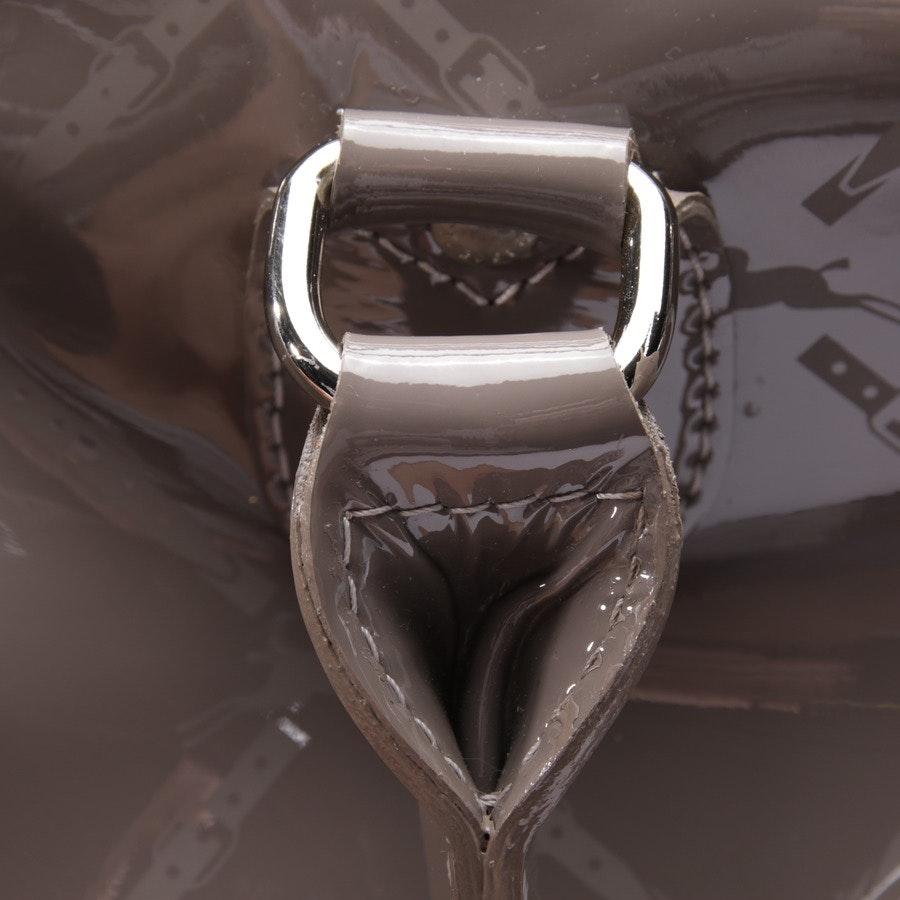 Schultertasche von Longchamp in Taupe