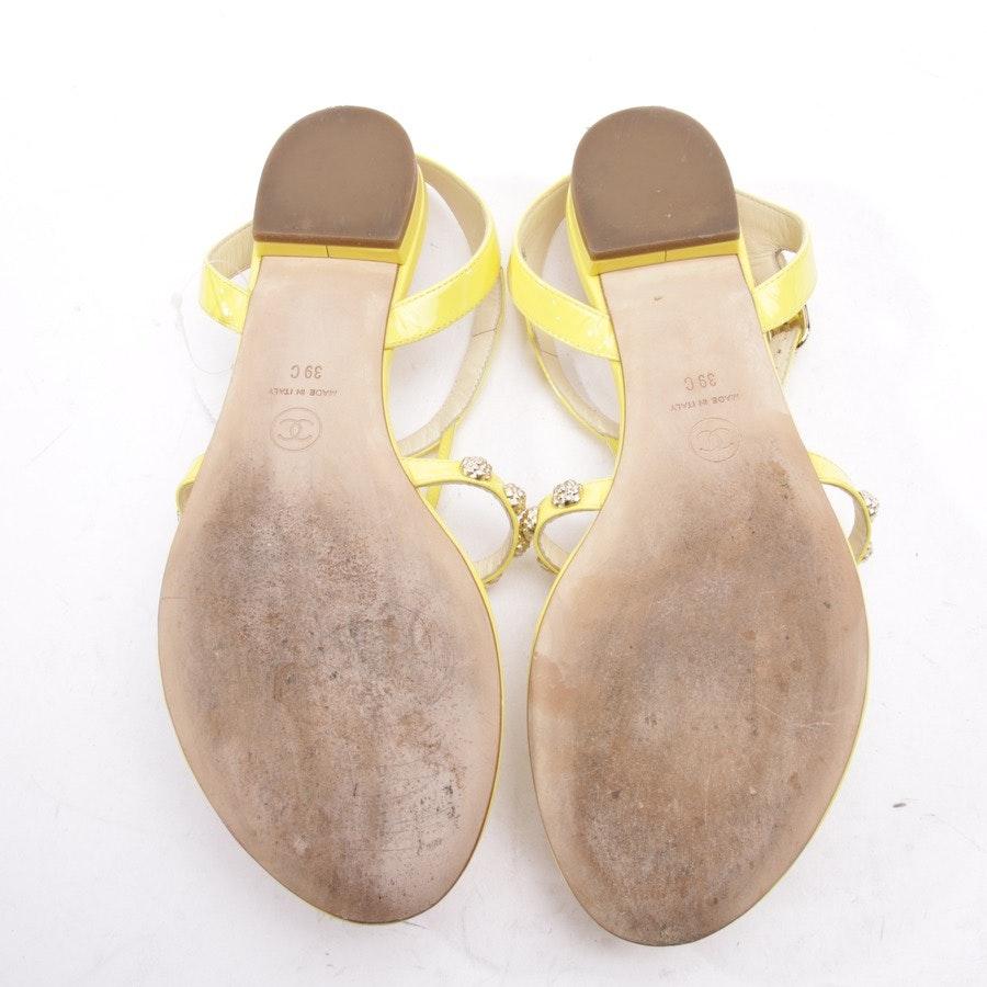 Sandalen von Chanel in Sonnengelb Gr. EUR 39