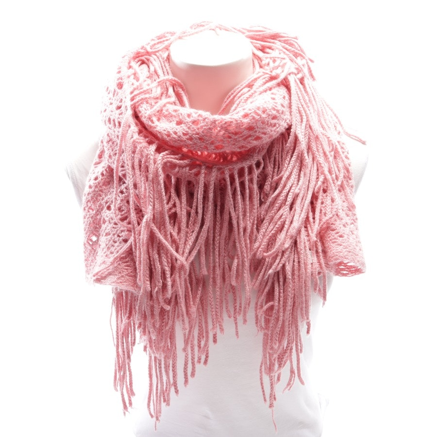 scarf from Faliero Sarti in salmon pink