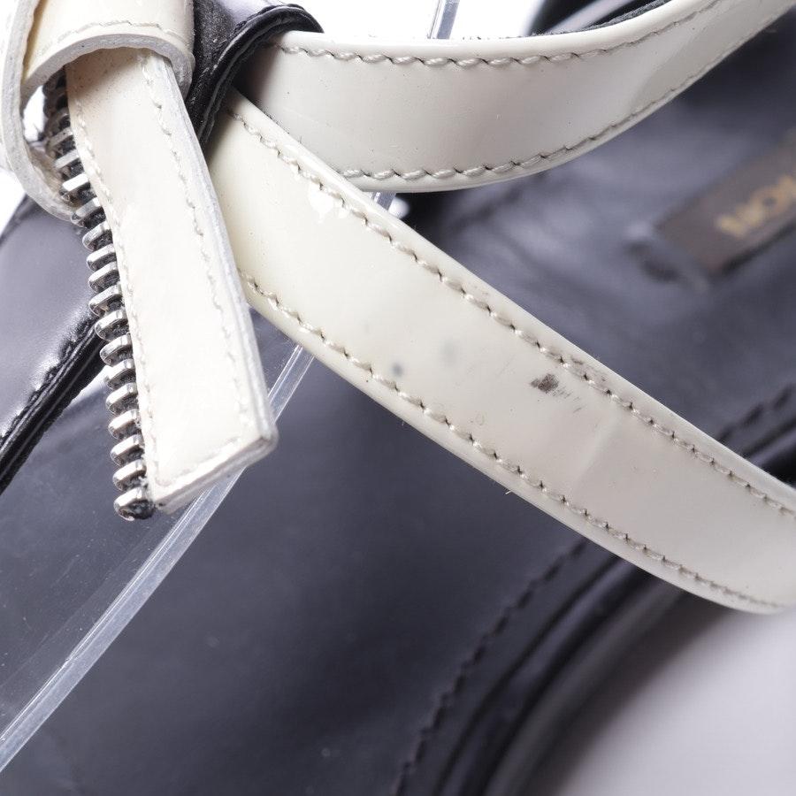 Sandalen von Louis Vuitton in Cremeweiß und Schwarz Gr. EUR 39,5