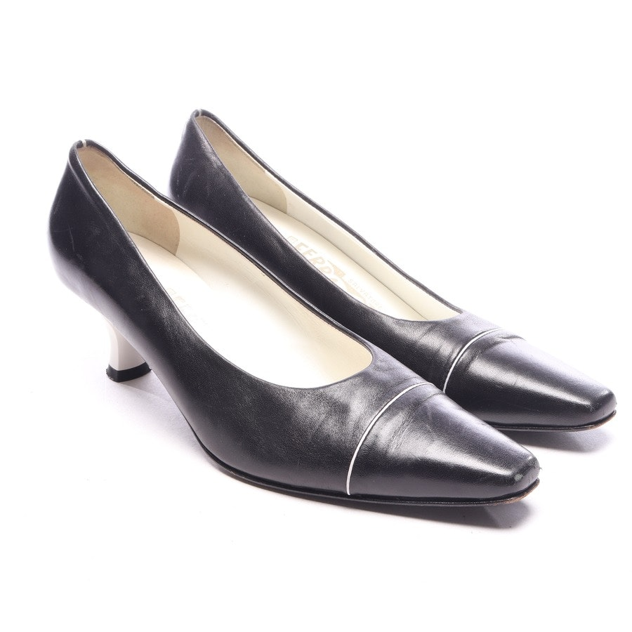 Pumps von Salvatore Ferragamo in Schwarz Gr. EUR 37,5 US 7