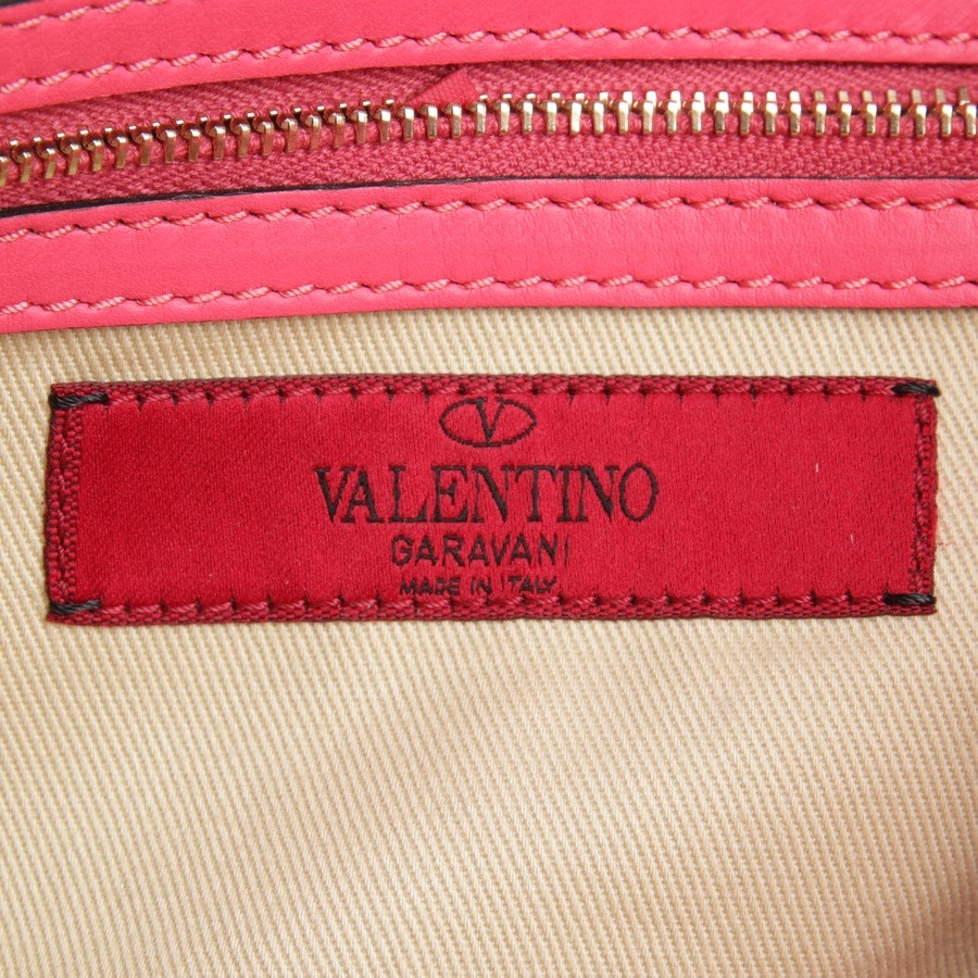 handbag from Valentino in pink - rockstud