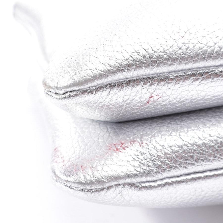 Umhängetasche von Coccinelle in Silber