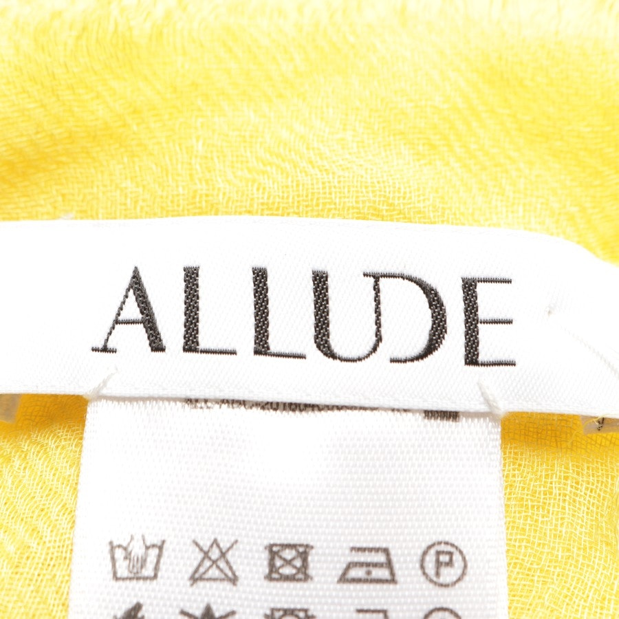 scarf from Allude in sun-yellow