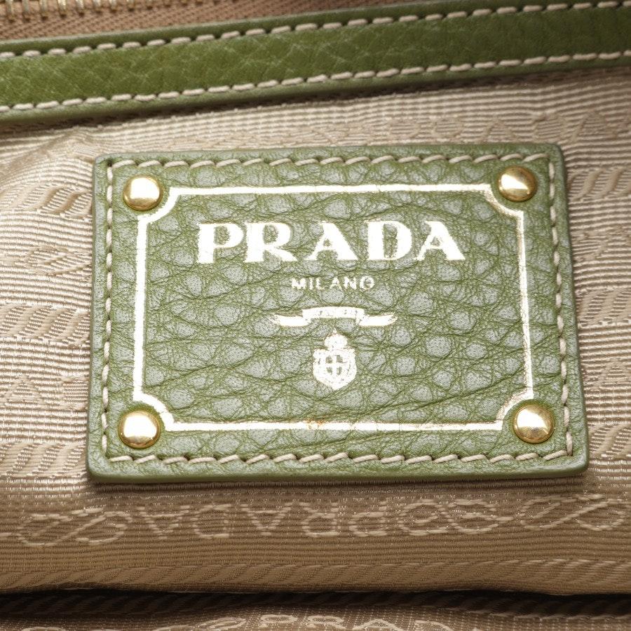 Schultertasche von Prada in Grün