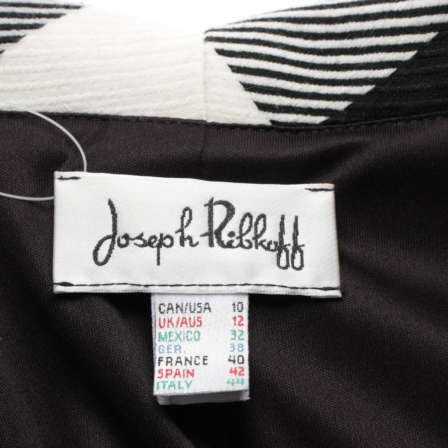 between-seasons jackets from Joseph Ribkoff in white and black size 38