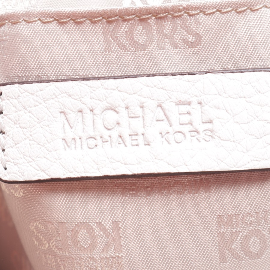 shoulder bag from Michael Kors in know