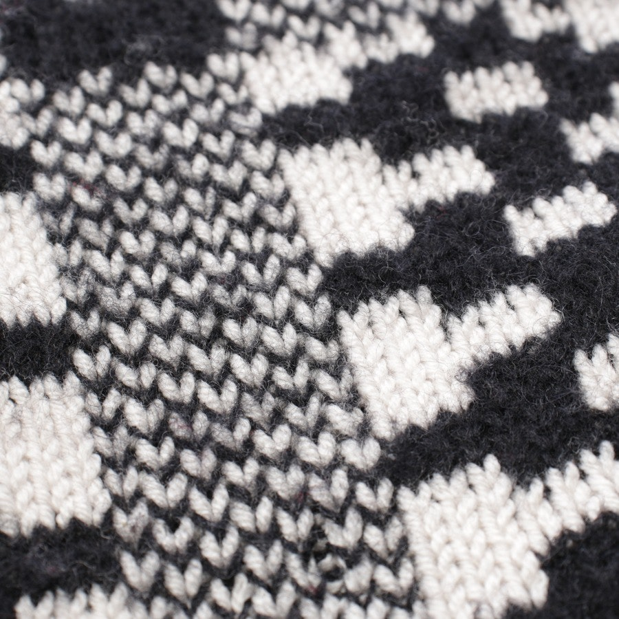 knitwear from Odeeh in black and white size 36