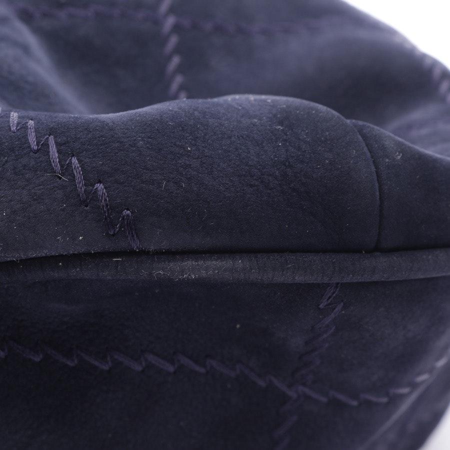 Schultertasche von Chanel in Dunkelblau