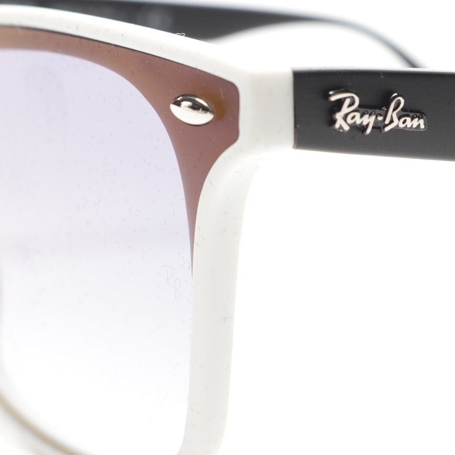 sunglasses from Ray Ban in dark blue and white - rb 4440-n new
