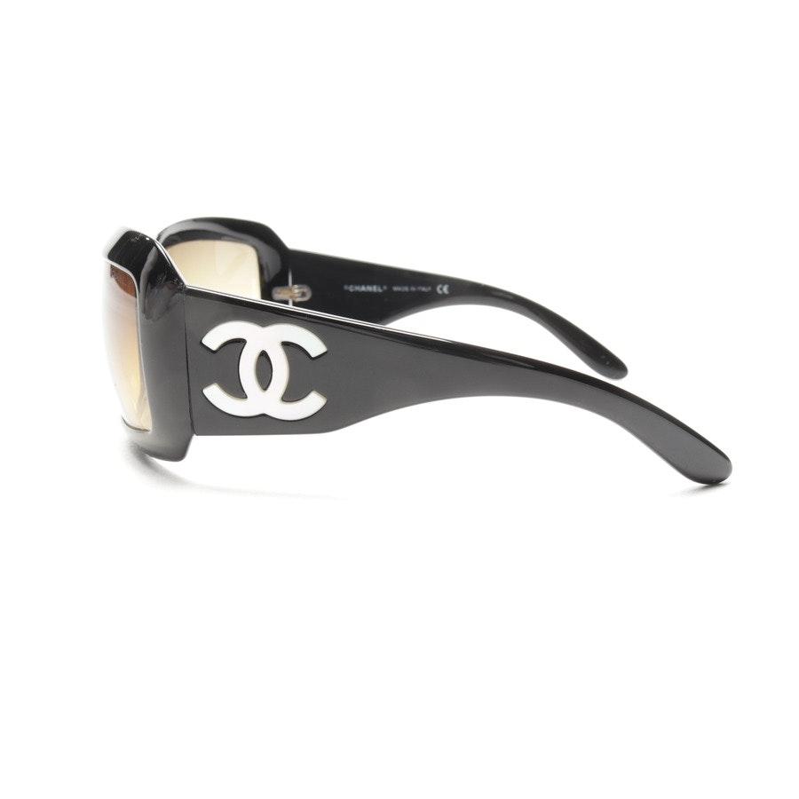 Sonnenbrille von Chanel in Schwarz
