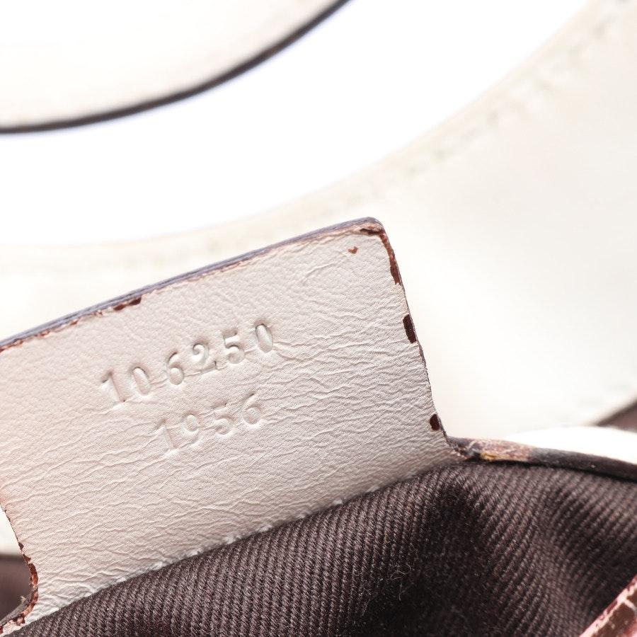 Schultertasche von Gucci in Weiß Monogram Halfmoon