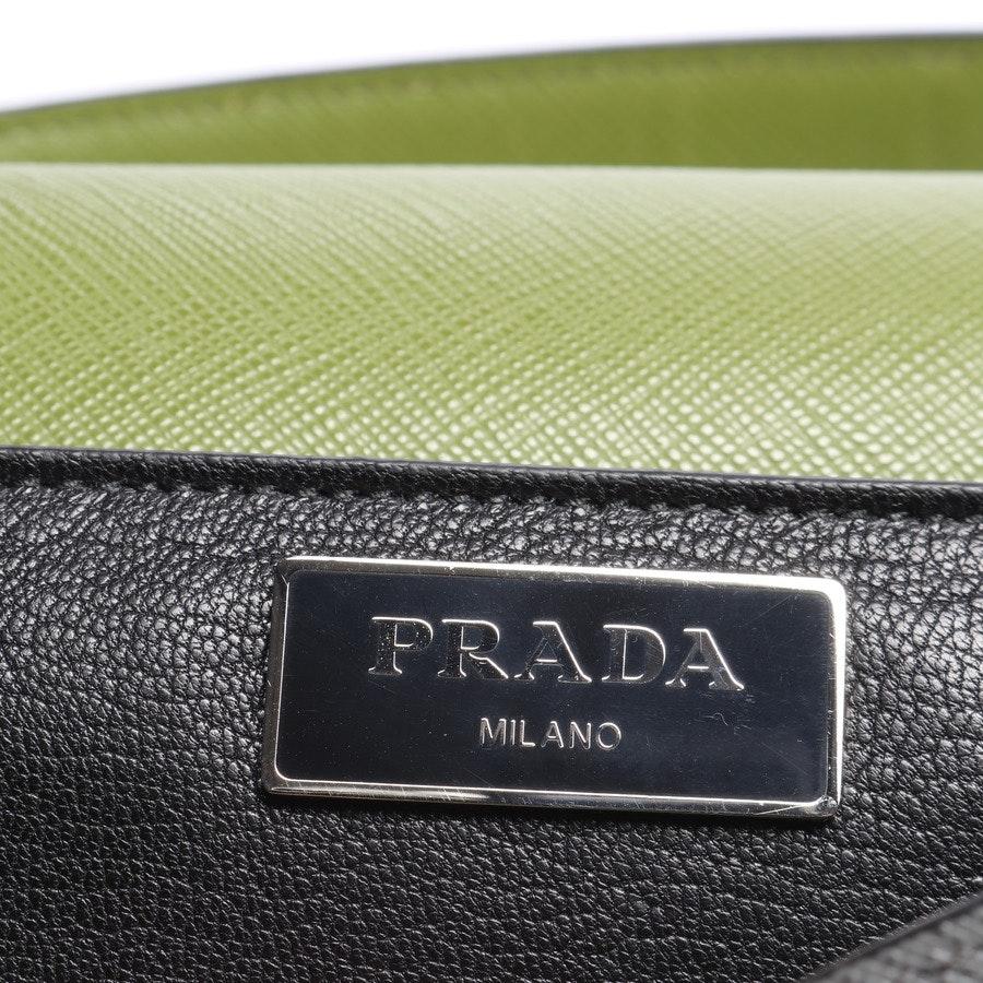 Schultertasche von Prada in Grau und Grün