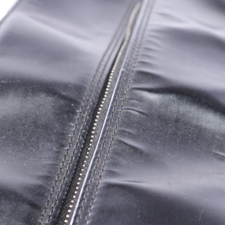 Schultertasche von Chanel in Schwarz Logo Zip Handbag