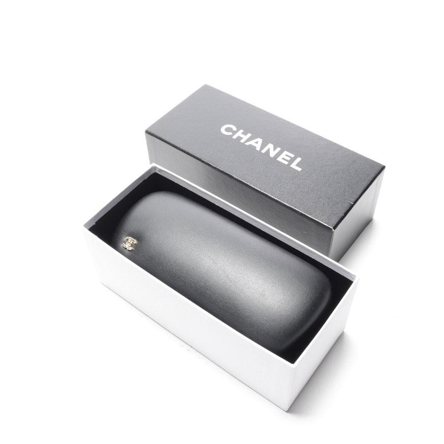Sonnenbrille von Chanel in Dunkelblau und Fuchsia BC7400061