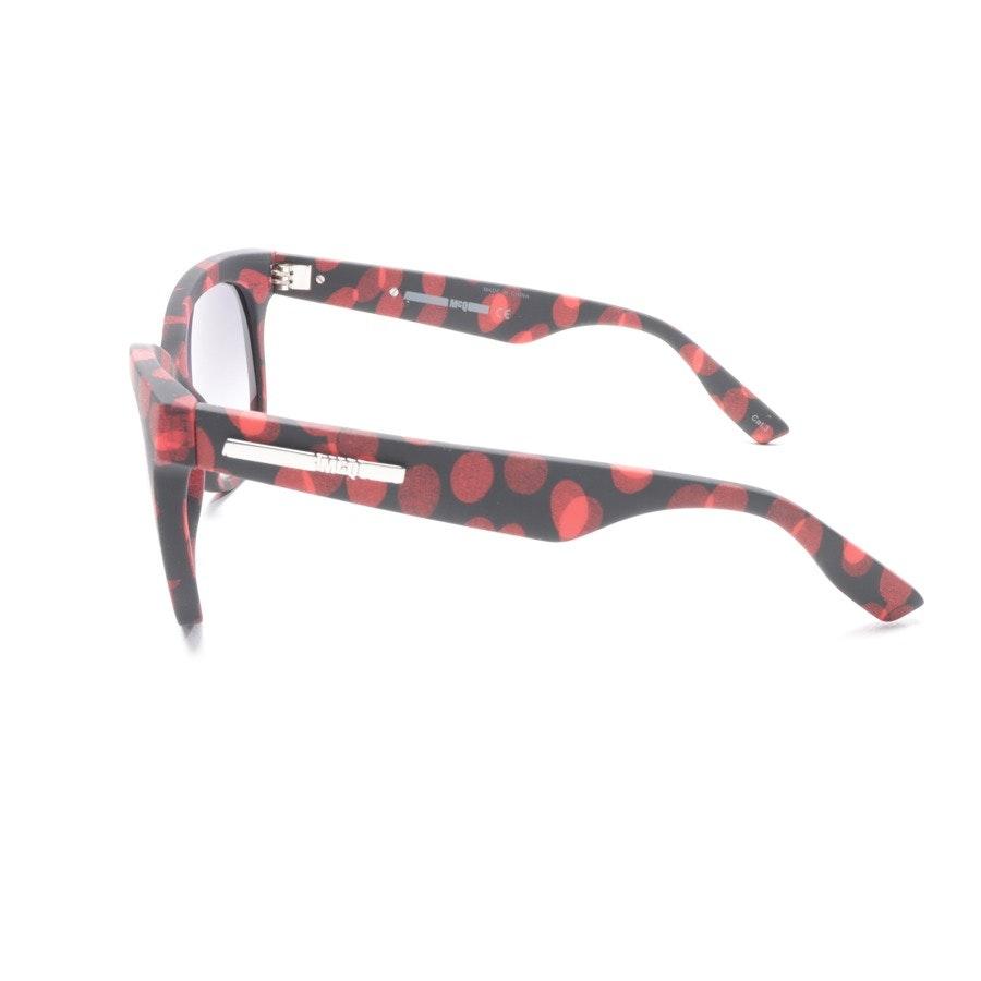Sonnenbrille von Alexander McQueen in Schwarz und Rot MQ0011S Neu