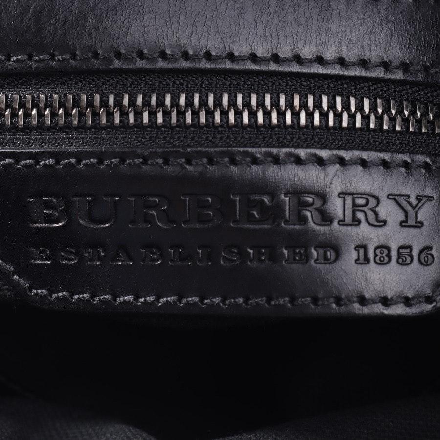 Schultertasche von Burberry in Grau und Schwarz