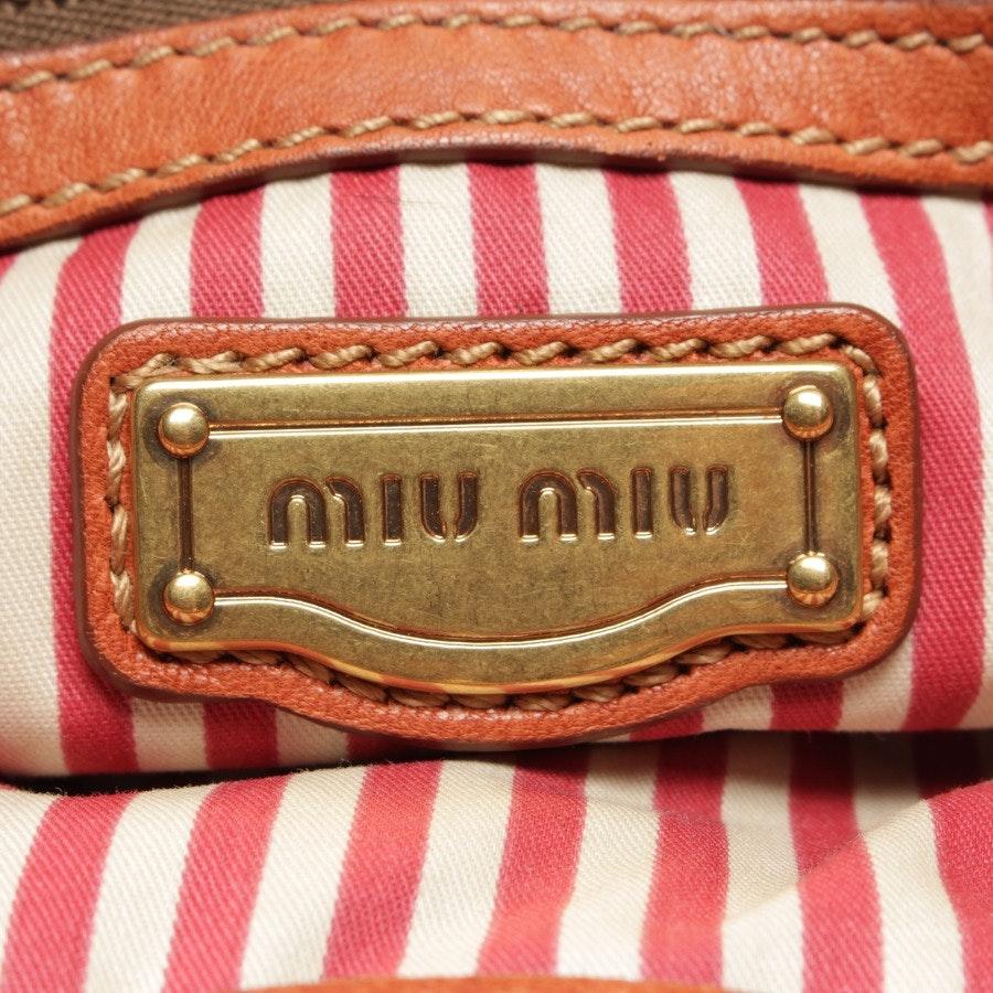 Shopper von Miu Miu in Rotbraun und Beige