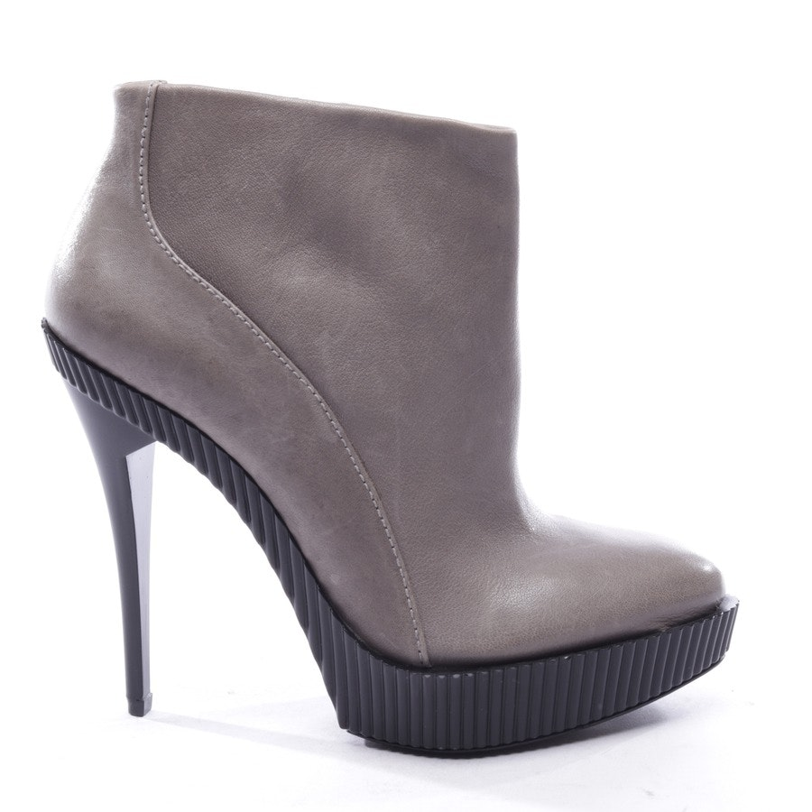 ankle boots from BCBG Max Azria in gray size EUR 39 US 9 - new